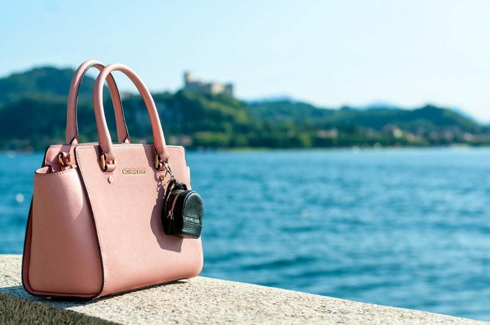 One of the best anti-theft travel bags by the water.