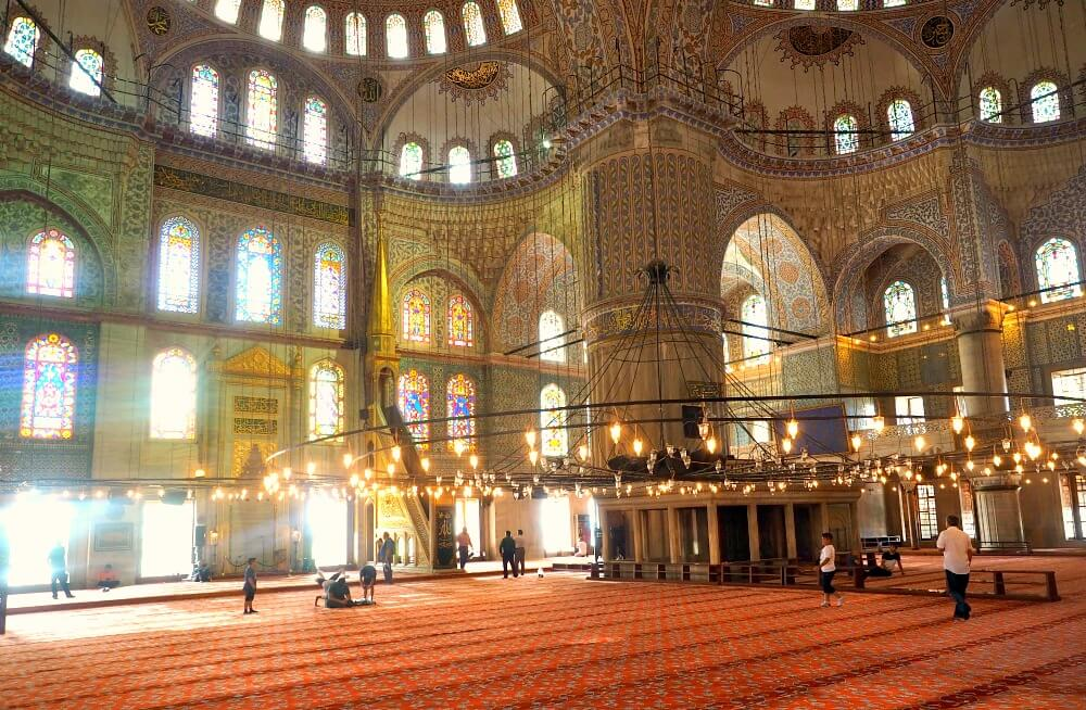Turkey highlights the Blue Mosque