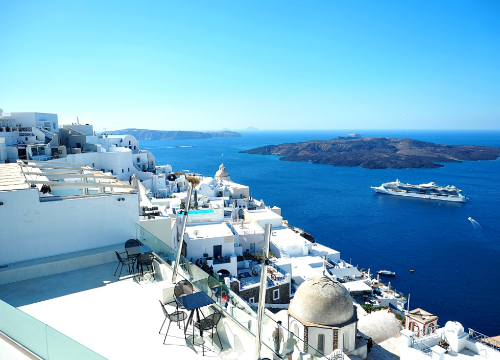 Santorini - How to save money for travel