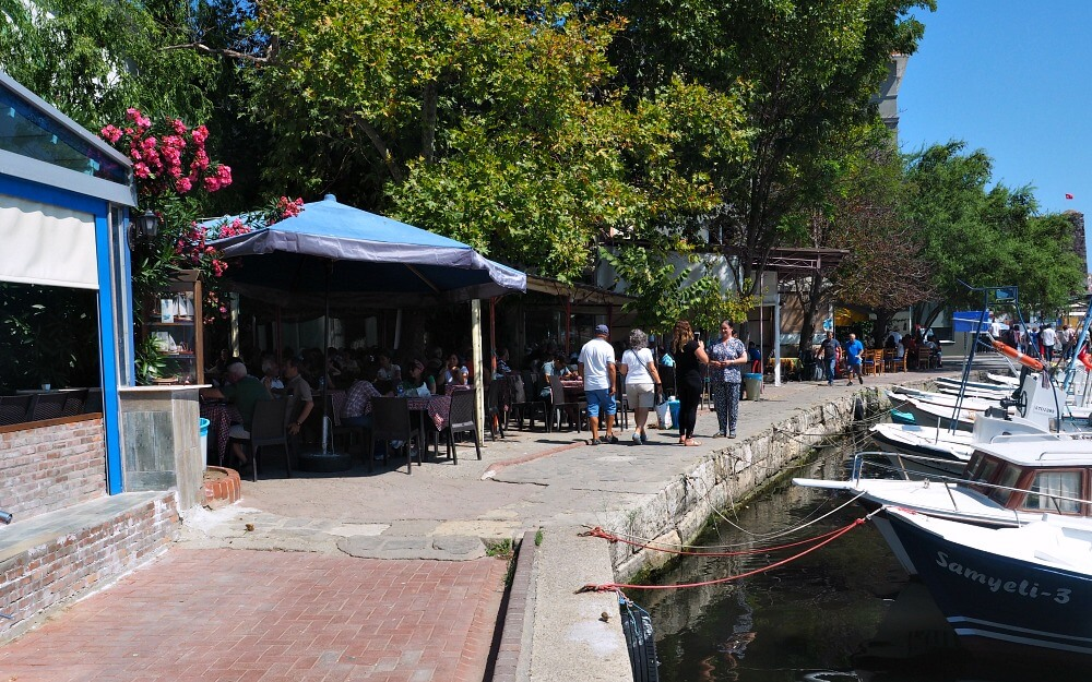 Sinop's waterfront cafes