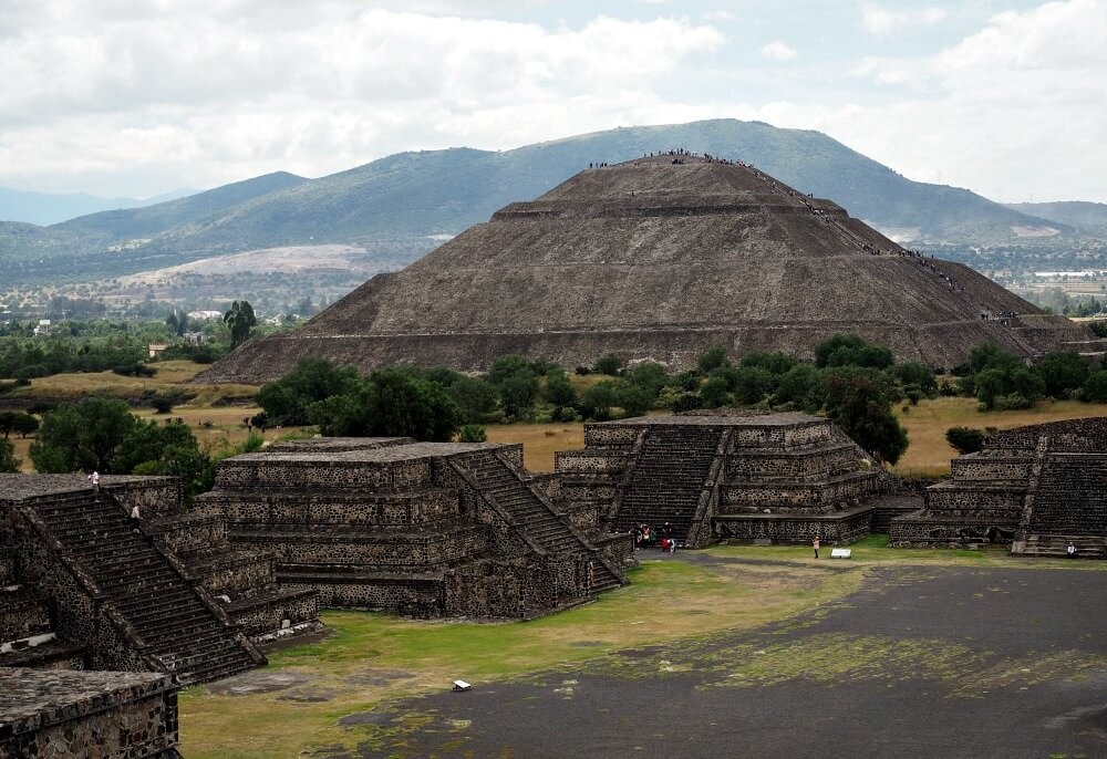 Visiting Teotihuacan - the Pyramid of the Sun