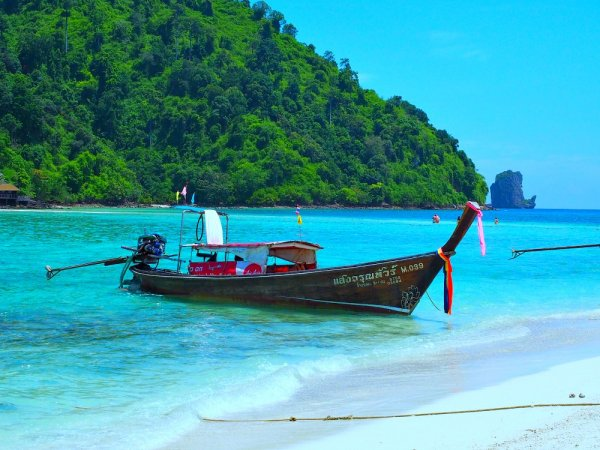 Long Tail Boat at Poda Island - Visit Ao Nang